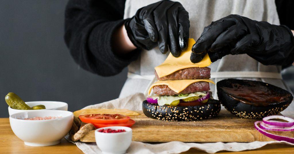 Urgent Hiring Line Cooks For Burger Restaurant in Qurain
